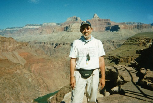 Photo of yours truly at Plateau Point, taken by a congenial Czech tourist.