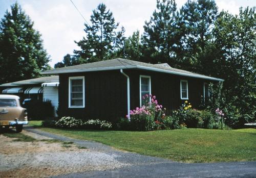 Leila's house-8-61