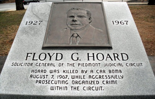 Tribute to Hoard at the old county courthouse in Jefferson.