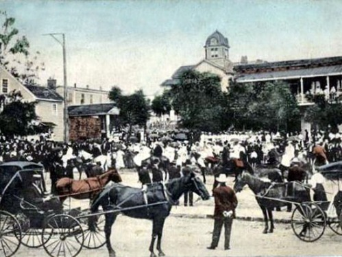 July 4 festivities on the city square in downtown Jefferson, 1908.