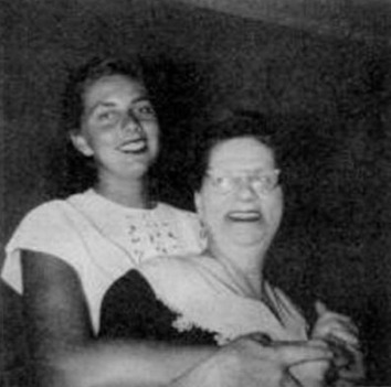 Louise and her daughter Rose in 1949.